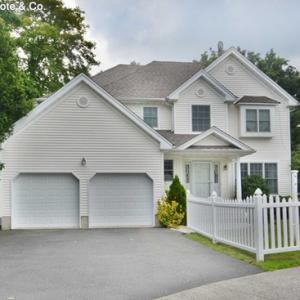 11 Holly Ct, Bloomfield